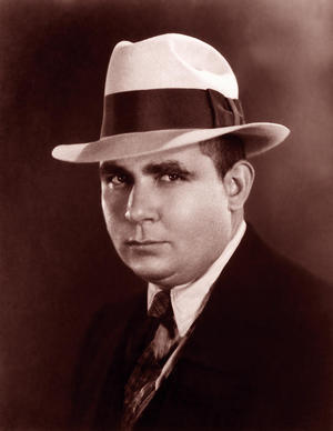 Robert_E_Howard_suit.jpg