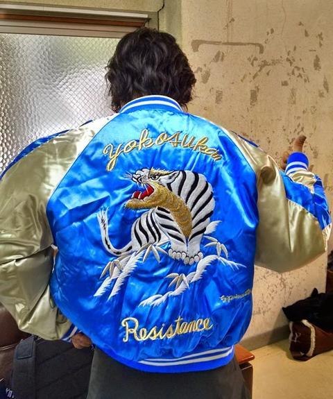 川島優志氏のジャケット