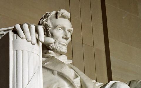 リンカーン記念堂の任務発令