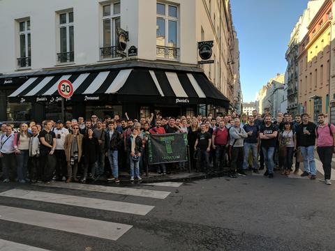 NL1331ヨーロッパ・リアウェイクン・パリ:集合写真