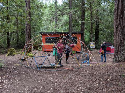キャンプ・ナヴァッロ:設営中